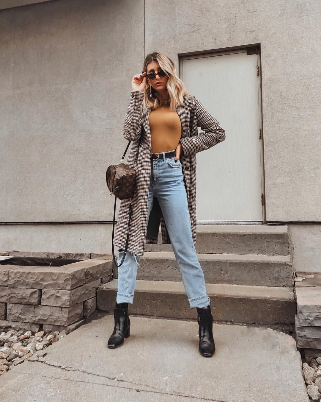 The Boho Flow On Instagram Living In Mom Jeans Mom Jeans Mom Jeans Outfit Fashion