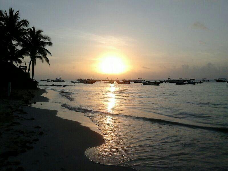 Playa Del Carmen. Quintana Roo. México. Hermoso amanecer.