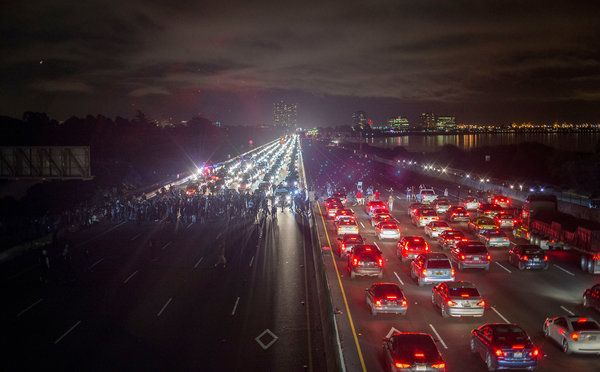 It S Not The Old Days But Berkeley Sees A New Spark Of Protest Published 2014 Pictures Of The Week Oakland Protest Photo