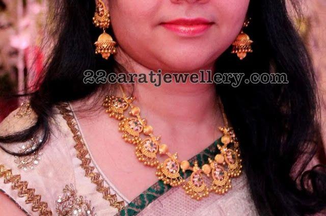 Trendy Gold Muvvala Necklace