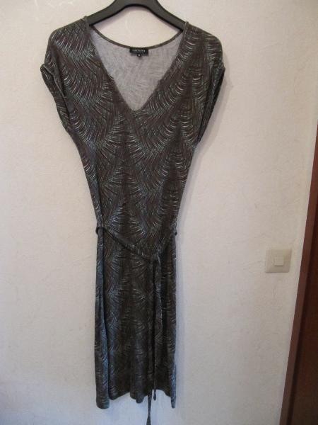 grünbraunweißes Kleid, Größe S