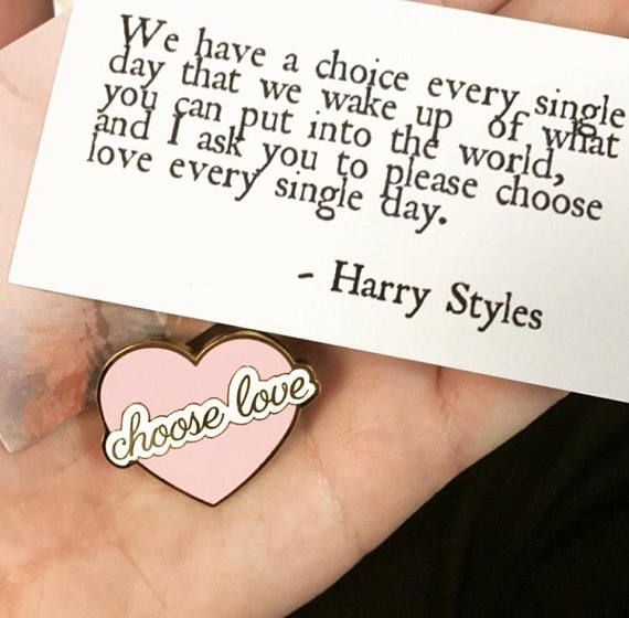 "Harry Inspired ""Choose Love"" Pride | Heart Enamel Pin"