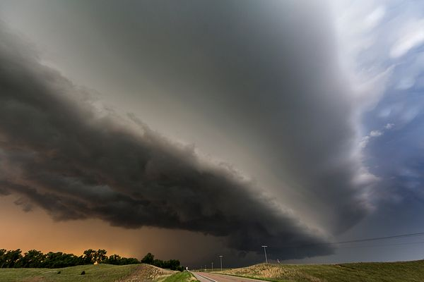 Mothership II at Sunset, Bartlett, NE 16 June 2014-Camille Seaman Big Cloud series