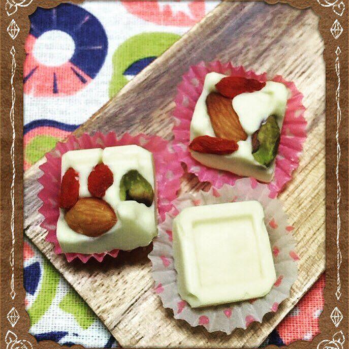低糖質のホワイトチョコレートを手作りで #キッチンおおざっぱ #糖質制限 #糖質制限スイーツ #lowcarb #lowcarblife #糖質制限ダイエット by lowcarb_oozappa