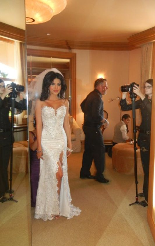 Leyla Milani, wedding dress
