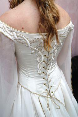 Celtic Wedding Dress From Lindsay Fleming Orlaith Celtic Wedding Dress Celtic Dress Medieval Wedding Dress
