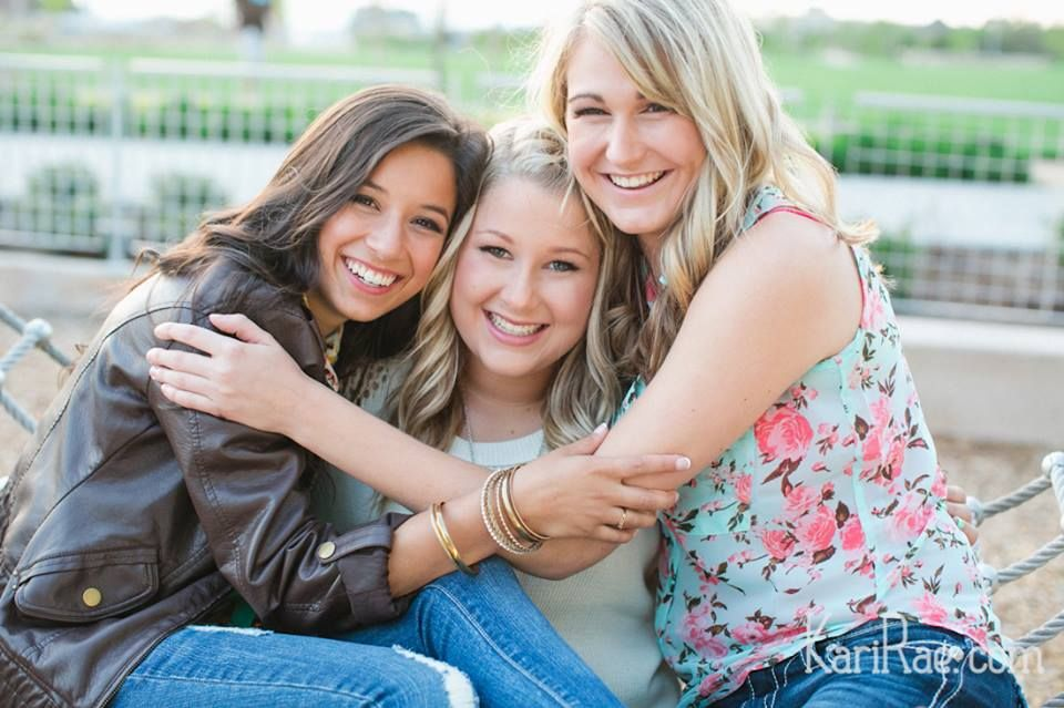 Senior Pictures with your best friends
