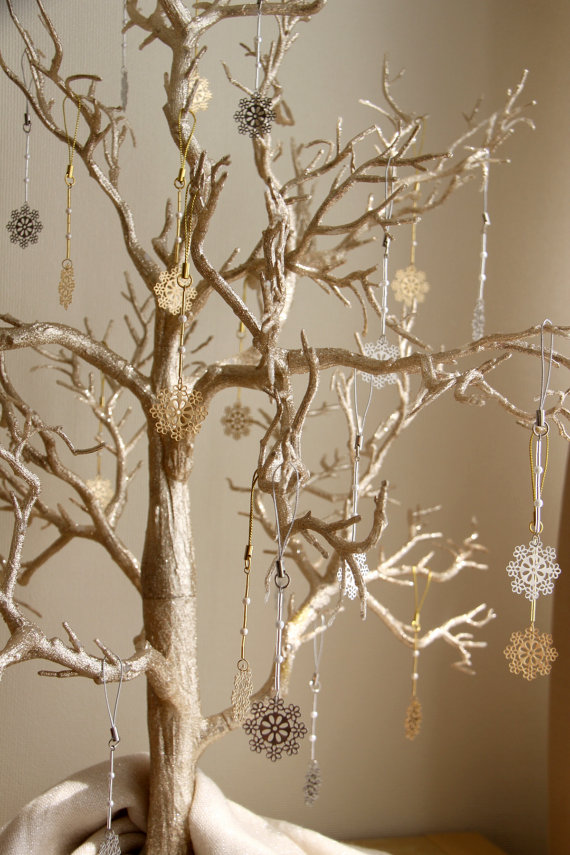 Winter Wedding Wish Tree With Snowflake Favors Wedding Etsy Gold Christmas Decorations Gold Christmas Christmas Diy