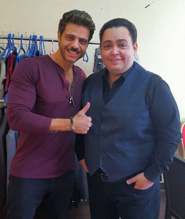 مجلة حلوة المشاهير أحمد رزق يفقد وزنه ويظهر في لوك جديد صورة Mens Tops Mens Tshirts Tops