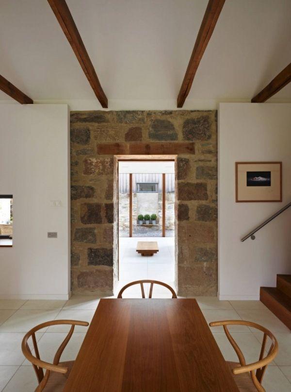 Modernes haus schottland alte steinmauer wei e w nde for Modernes haus deko