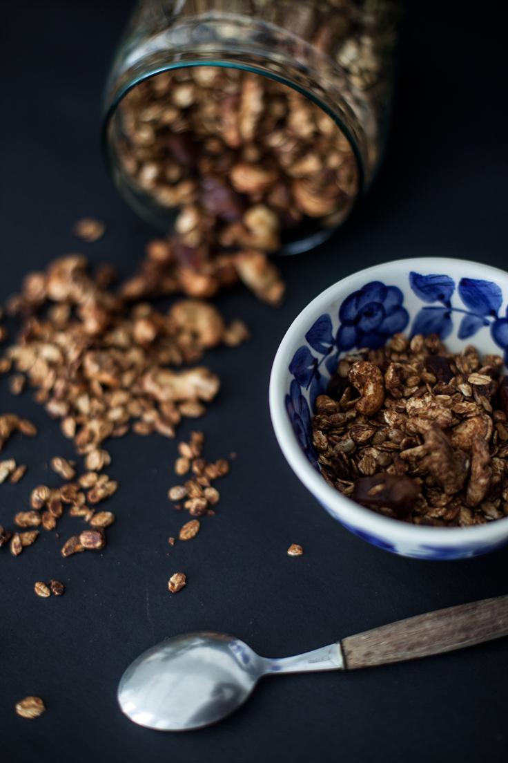 Chocolate & Cashews Granola http://bit.ly/czekoladowa-granola