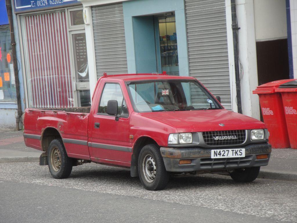 Vauxhall Brava Single Cab 2.5 4X2 Red