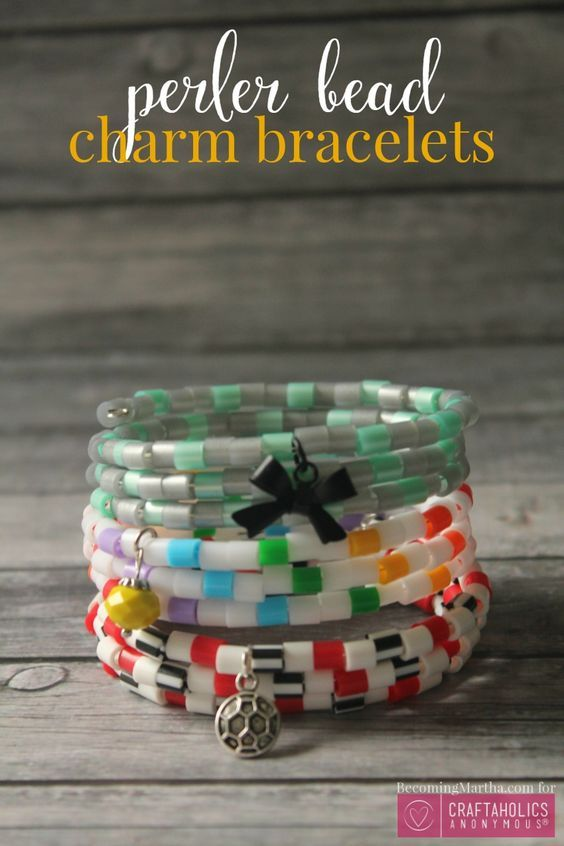 Here is a great DIY christmas craft tutorial! Create your own pattern, with your favorite colors.
