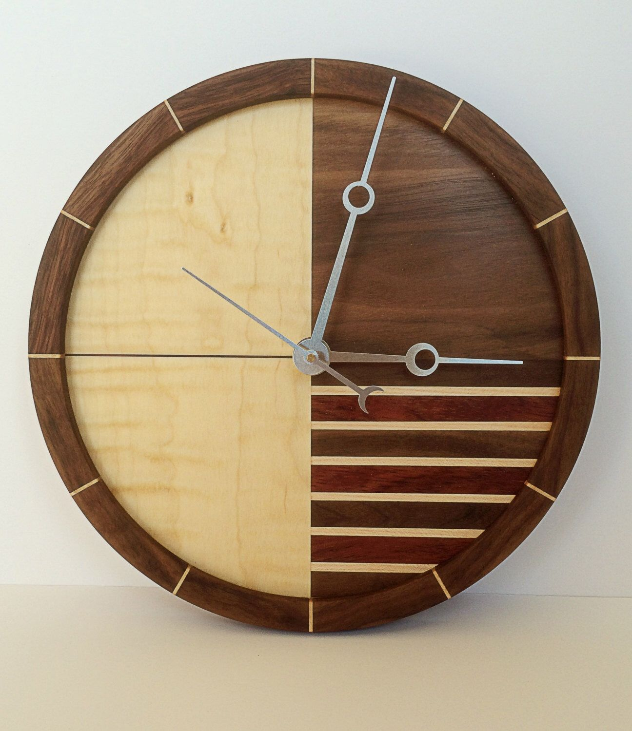 Wooden Clock by WhitesideWoodworking on Etsy https://www.etsy.com ...