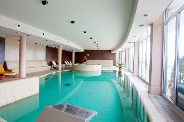 23 Spectacular Indoor Pool Designs That Will Take Your Breath Away Top Inspirations Indoor Pool Design Indoor Swimming Pool Design Luxury Swimming Pools