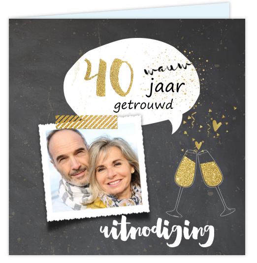 Eerdaags jullie 40 jarig huwelijks jubileumfeest geven? Unieke vierkante uitnodiging met verouderde krijtbord look, goud gekleurde tekst en hartjes (geen echt goud inkt) champagne glazen, confetti en tekstballon. Geheel zelf aan te passen. Gratis verzending in Nederland en België.