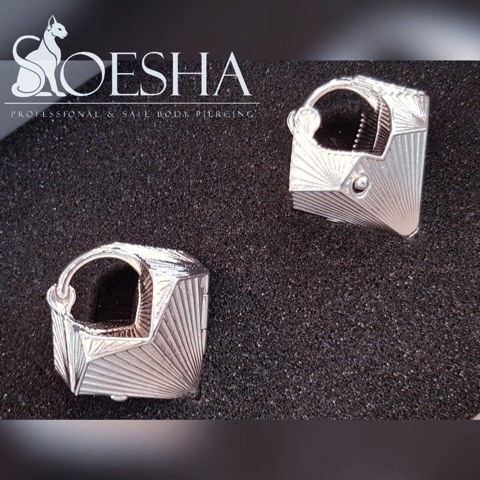 Keloid from nose piercing  De Tetra earweights van Thether Jewelry Nu verkrijgbaar bij