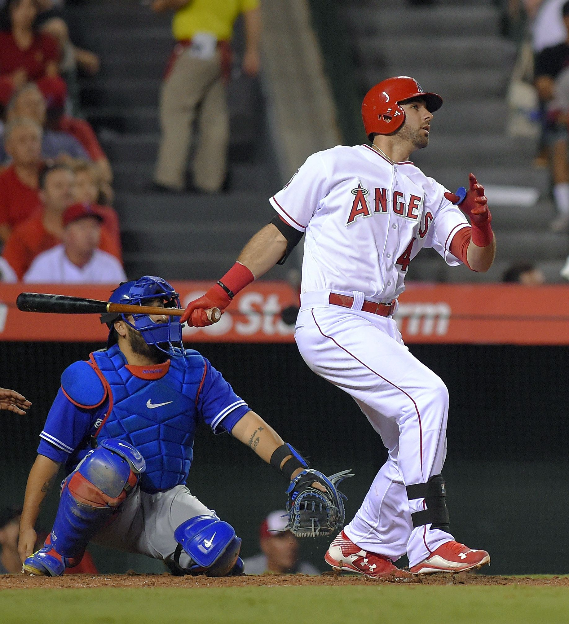 Los Angeles Angels Kaleb Cowart Watches His Solo Home Run In Front Of Toronto Blue Jays Catcher Dioner Navarr Los Angeles Angels Toronto Blue Jays Team Photos