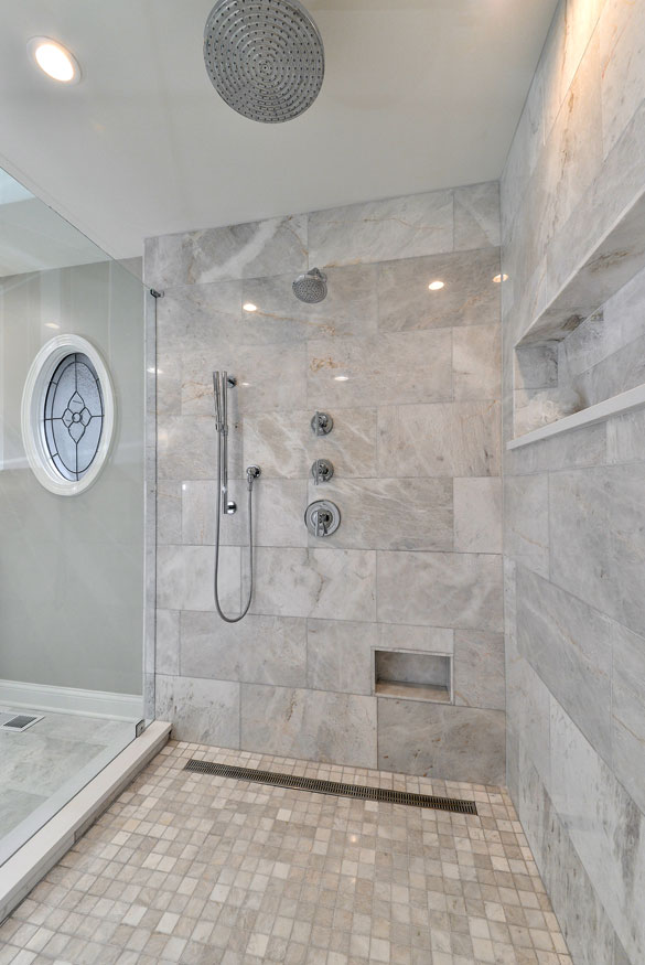 Bathrooms With Linear Drains Google Search In 2020 With Images Shower Floor Small Shower Remodel Bathroom Remodel Master