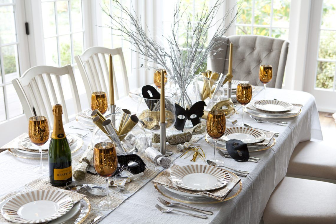 Glam Party Decor for a New Year\'s Eve! | Table party, Party candy ...
