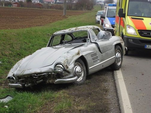 Mercedes Benz 300 SL Gullwing Destroyed By Mechanic On Test Drive