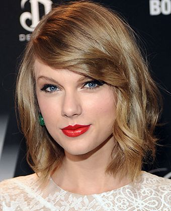 Taylor Swift S Textured Bob With Side Swept Bangs Beauty Short