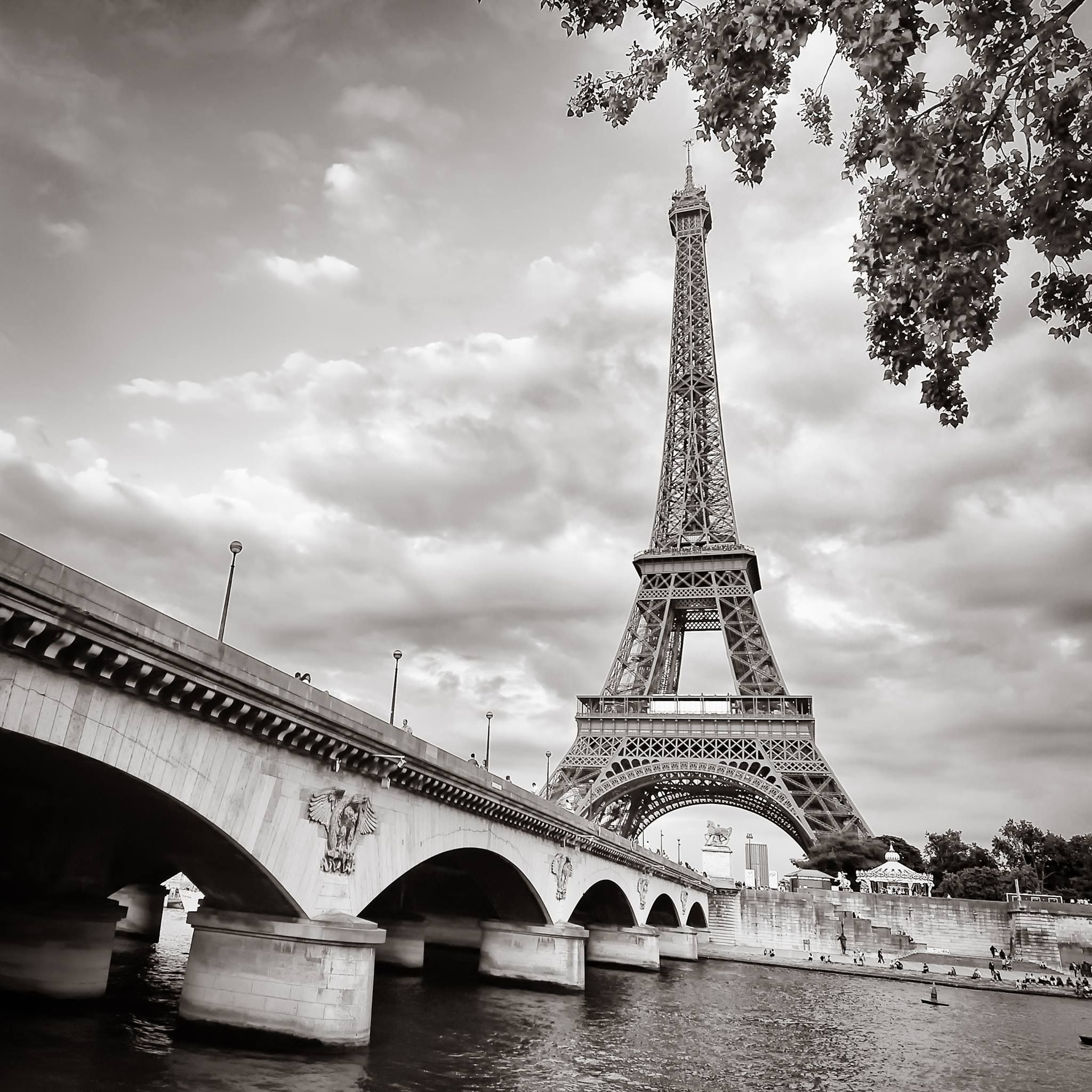 11 Best la tour eiffel bags images | Tour eiffel, Bags, Tours