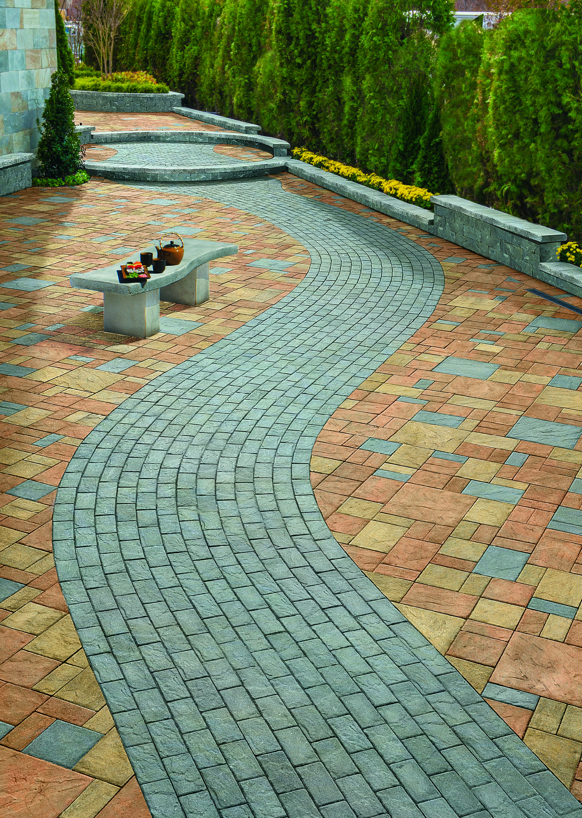 Cambridge pavingstones wall systems color options - This Beautiful Serpentine Pavingstone Pattern Was Created Using The Sherwood Collection By Cambridge Pavingstones With Armortec