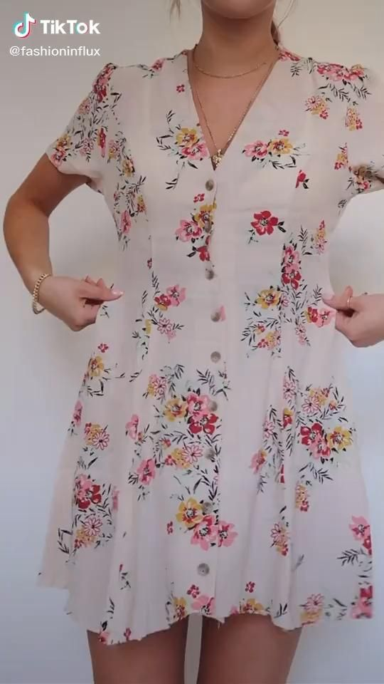 Easy How To Make Your Loose Dress More Fitted Fashion Ootd Tiktok Video Refashion Clothes Fashion Hacks Clothes Clothing Hacks