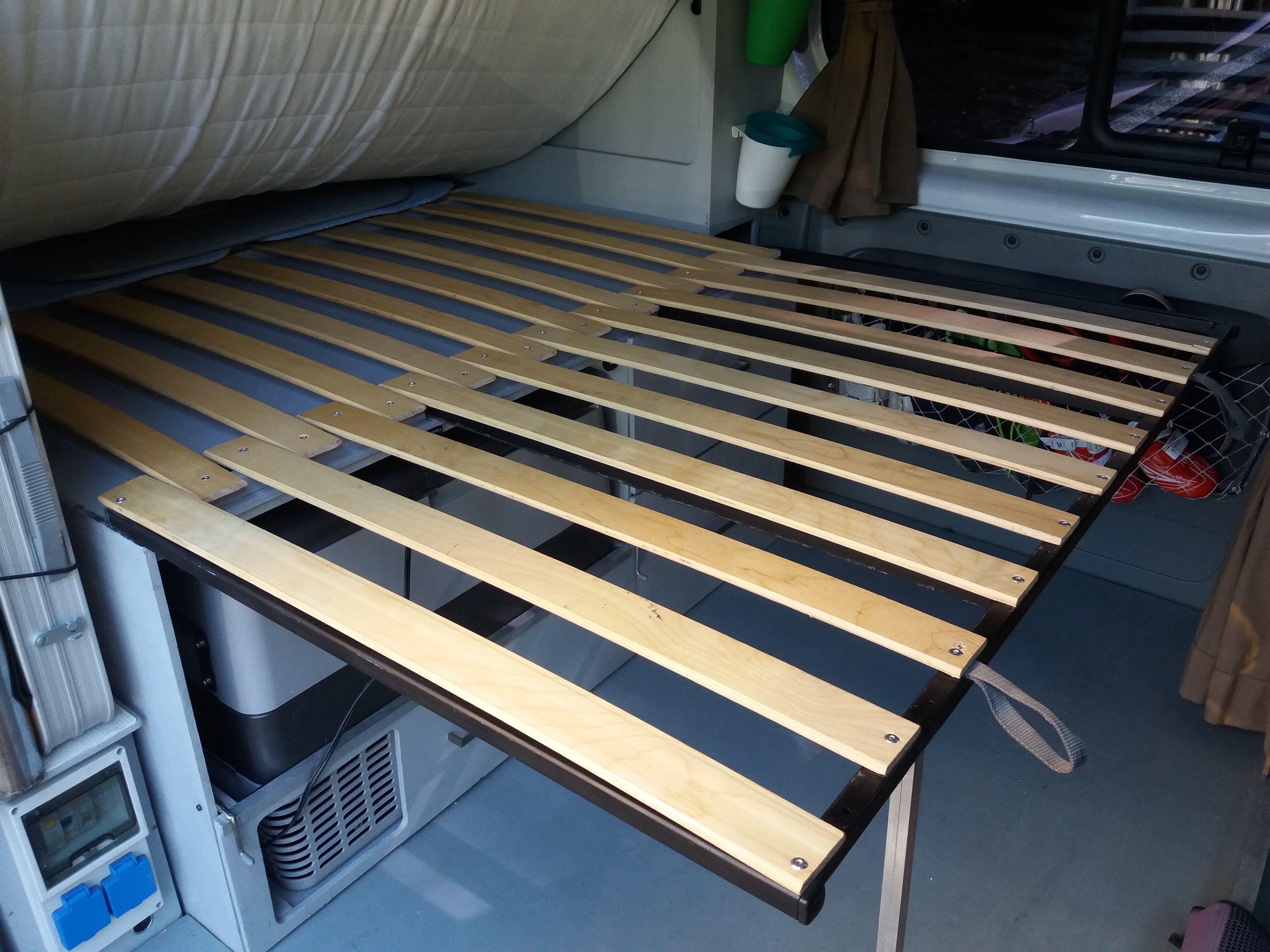 am nagement couchage lit 120x190cm renault trafic trafic succ s et sur mesure. Black Bedroom Furniture Sets. Home Design Ideas