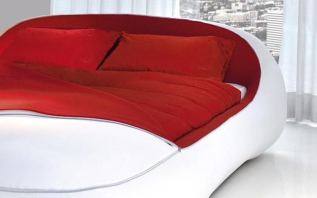 Futuristic Bed Design from Florida Zip Bed