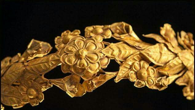 Incredibly rare 2,300-year-old Ancient Greek gold crown was