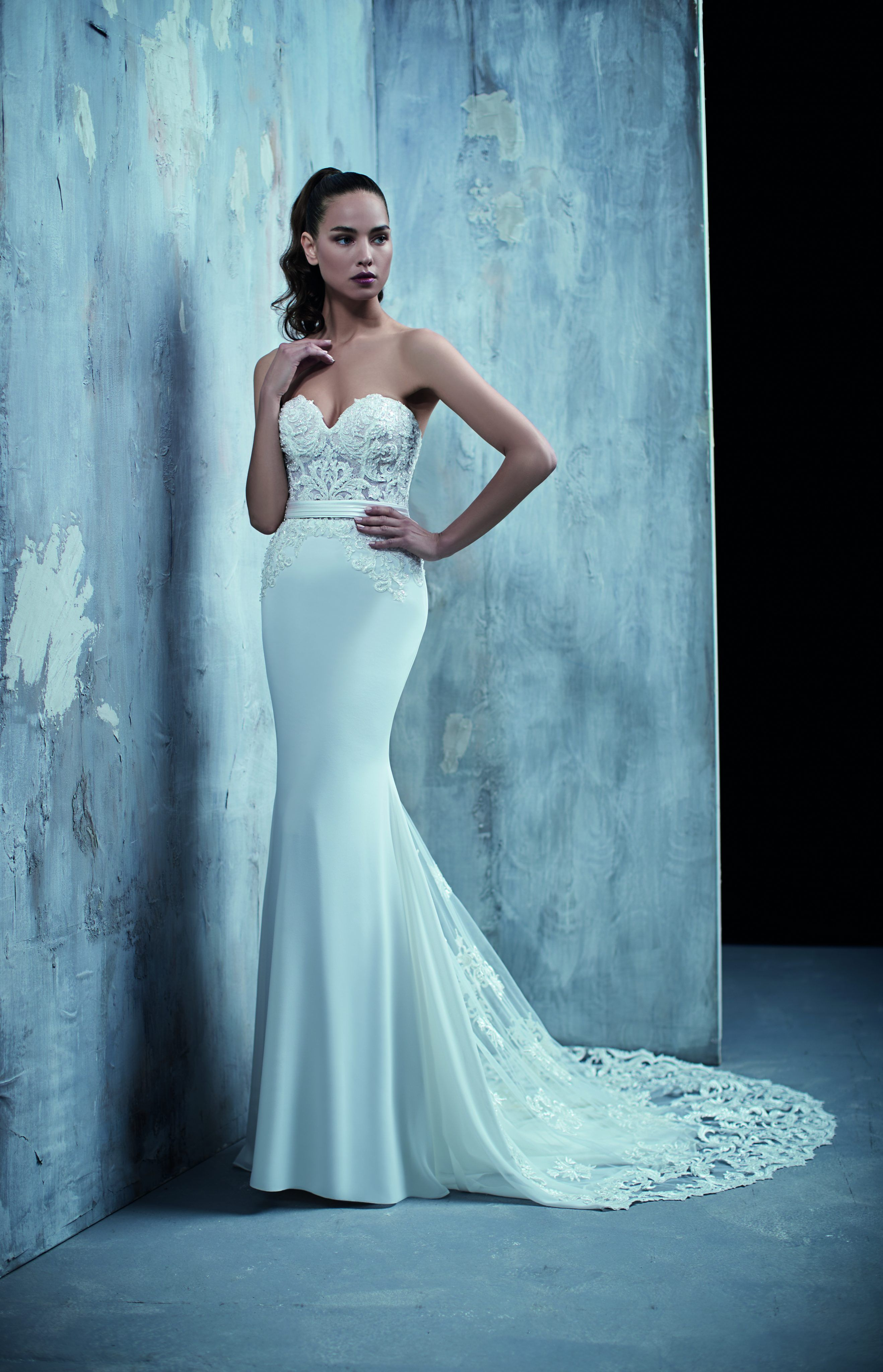 Sexy fit and flare wedding dress kleinfeld bridal the big day