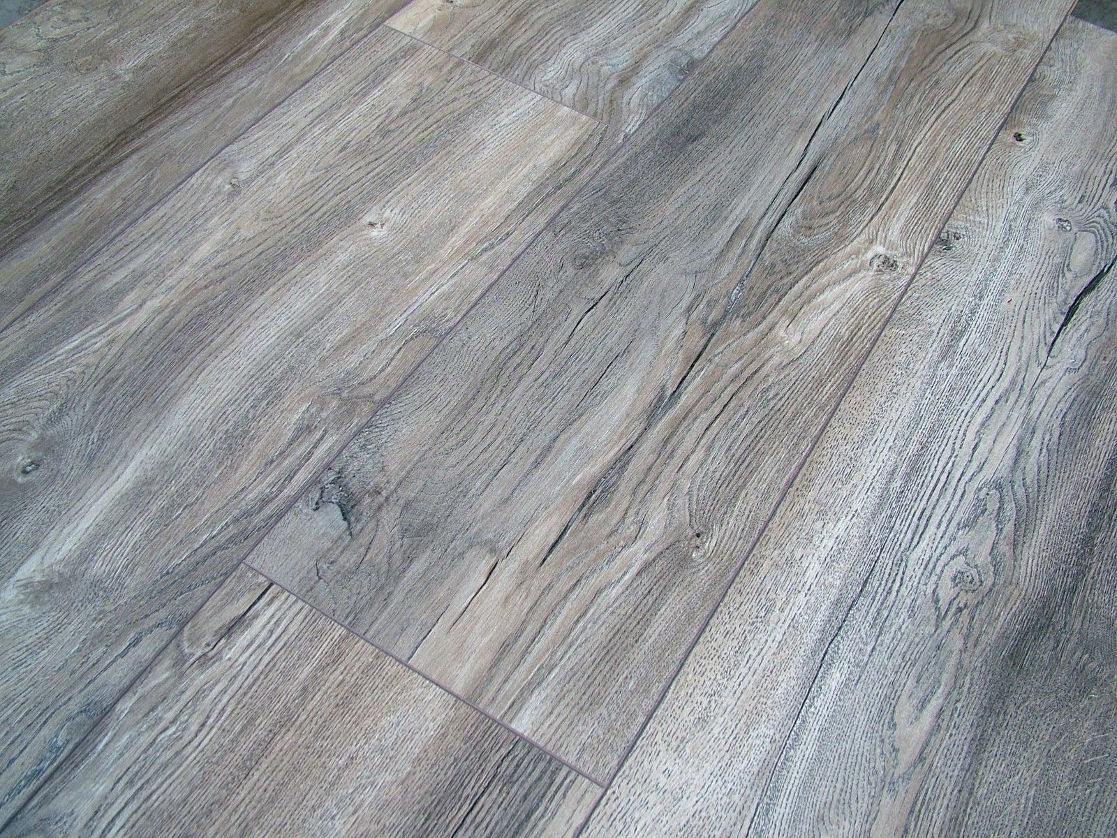 Harbour Oak Grey Laminate Flooring Pallet Deal AC4 8mm 4V Groove Wide Plank