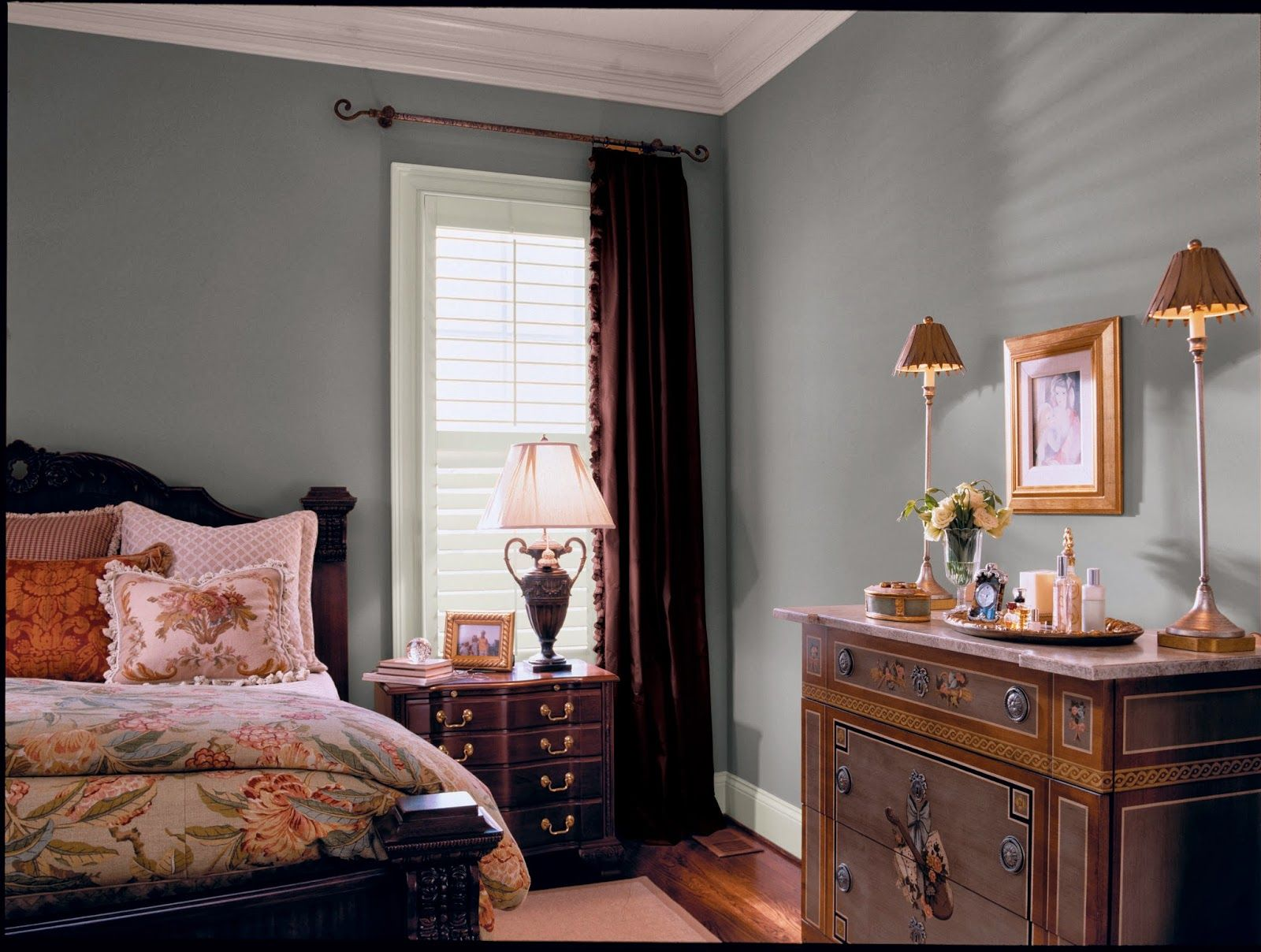 A Perfect Gray Glidden S Best Paint Colors Pebble Grey Bedroom