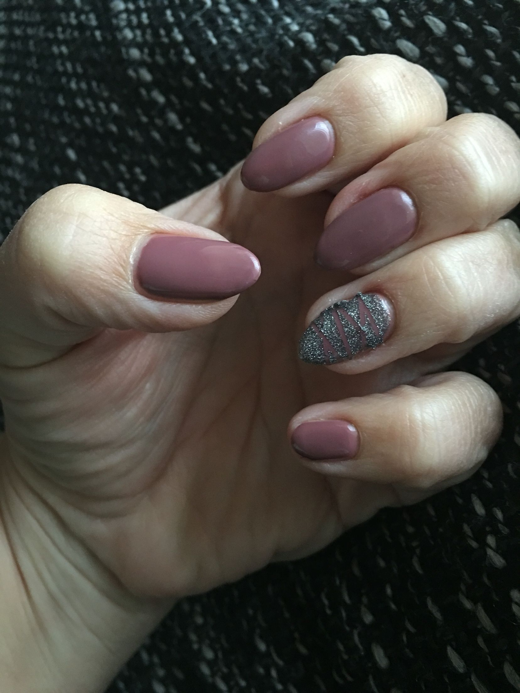 Alessandro Striplac Meet me in Paris en Diamond dust | Nails ...