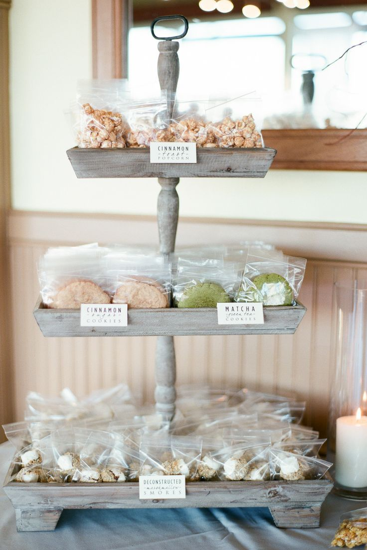 17 Unique Wedding Favor Ideas that Wow Your Guests | Wedding foods ...