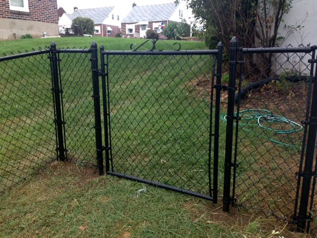 System 21 Black Vinyl Coated Chain Link Fence And Framework