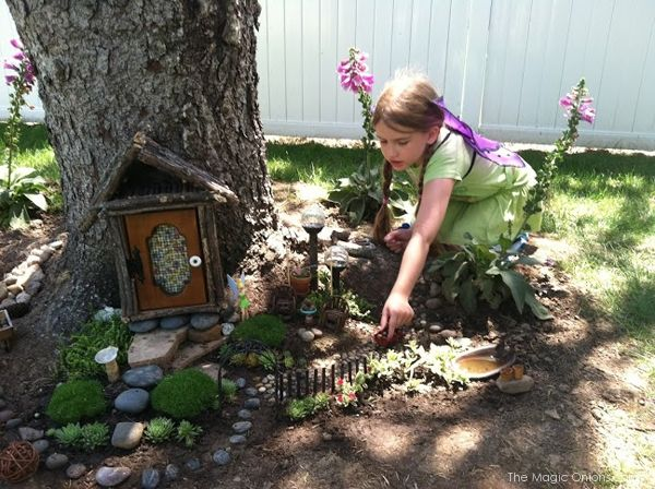 Wonderful Kid Friendly Tree Trunk Fairy Garden : Finalist In 2014 Fairy Garden  Contest : Www.