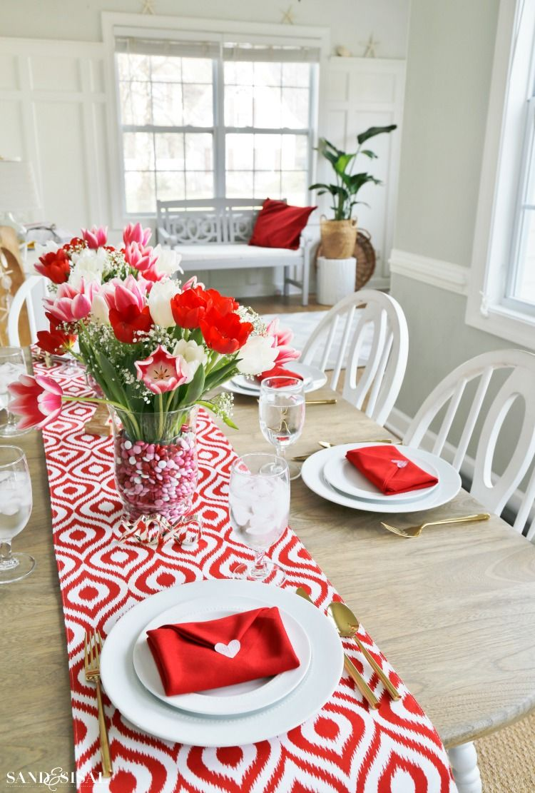 Valentine S Day Table Setting With Envelope Napkin Fold Valentine Day Table Decorations Valentines Party Decor Diy Valentine S Day Decorations