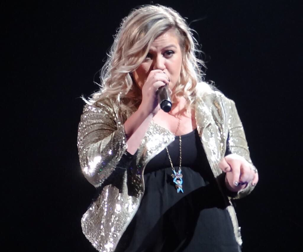 Kelly Clarkson | Piece by Piece Tour! | Anything and Everything ...