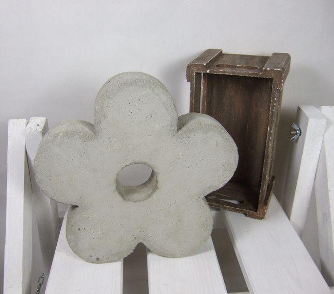 blüte aus beton, Garten Ideen