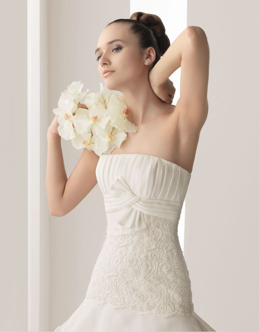 Burlap wedding dress sash  Nairobi from the Aire Barcelona  collection  Celebrations