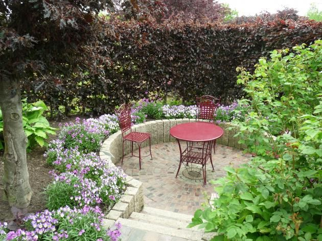 12 Ideen Fur Sitzplatze Im Garten Sitzplatz Im Garten Garten Patio Garten