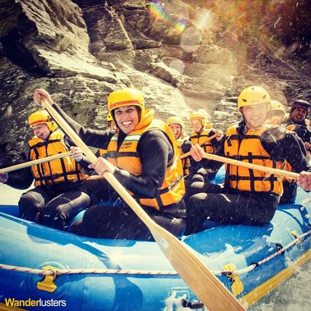 white water rafting on the shotover river with queenstown. Black Bedroom Furniture Sets. Home Design Ideas