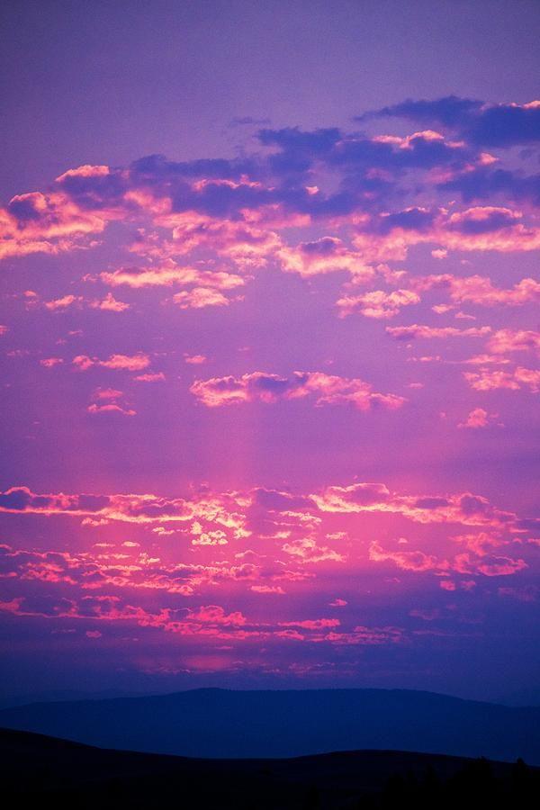 Pin By Diane Aldrich On Nꭺꭲꮜꭱꭼ In 2020 Pink Clouds Sky Purple Sky Sunrises Nature