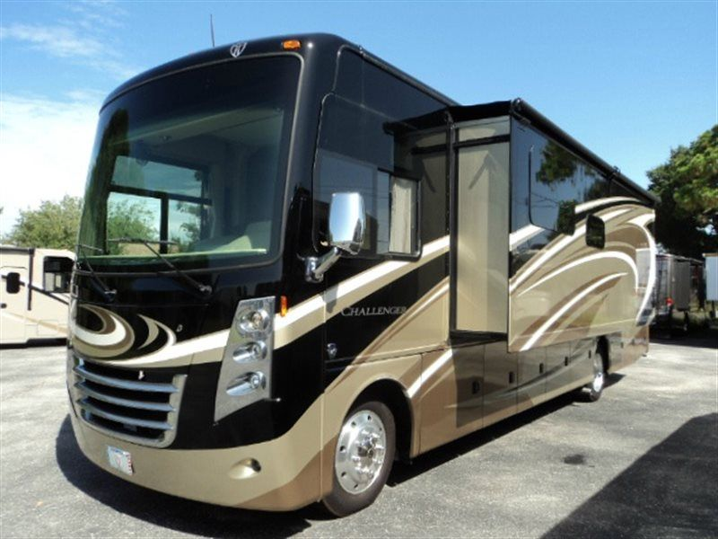 Used 2015 Thor Motor Coach Challenger 35HT Motor Home