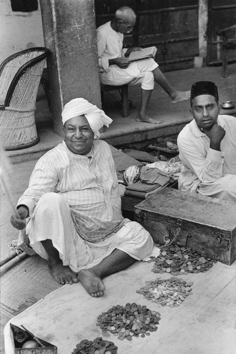 money exchangers vintage jaipur black and white henri cartier-bresson