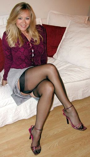 strumpfhosen sex hausfrauen in high heels