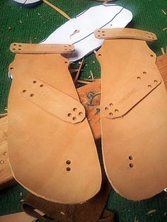 """Barefoot Inclined: Huaraches you say? No....""""J""""uaraches! Muddy J """"J""""uaraches Review!"""
